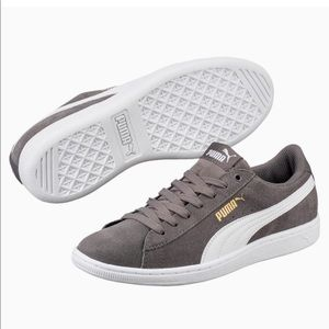 Puma soft foam suede vikky sneakers grey